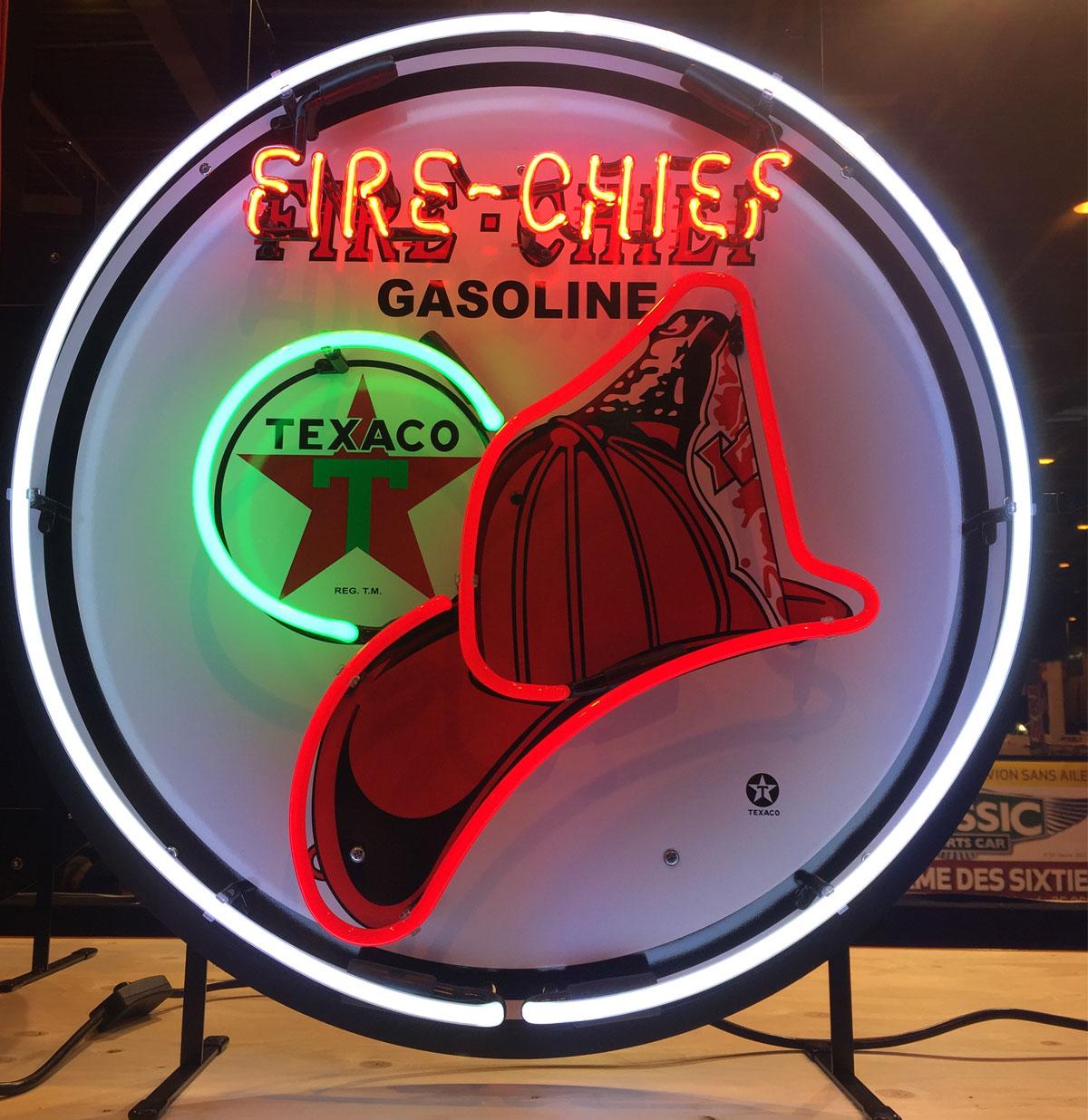 Texaco Fire-Chief Gasoline Neon Verlichting Met Bord 64 x 64 cm