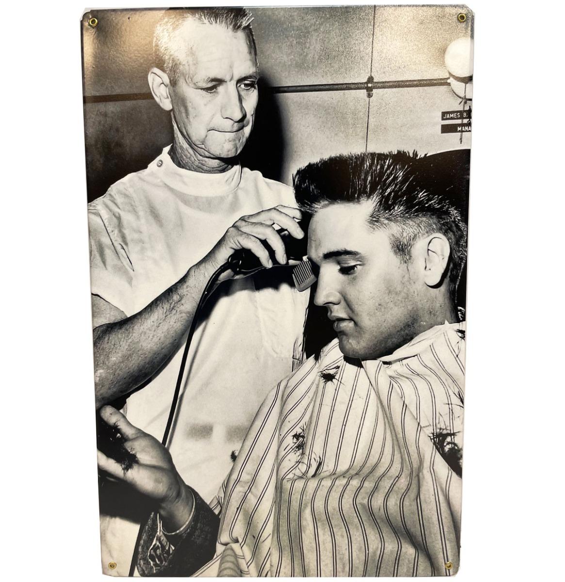 Elvis Presley Getting Haircut - Metalen Bord 29.5 x 44.5 cm