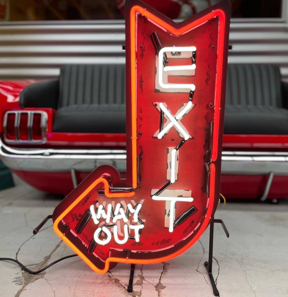 Exit Way Out Arrow Neon Verlichting - 70 x 46 cm