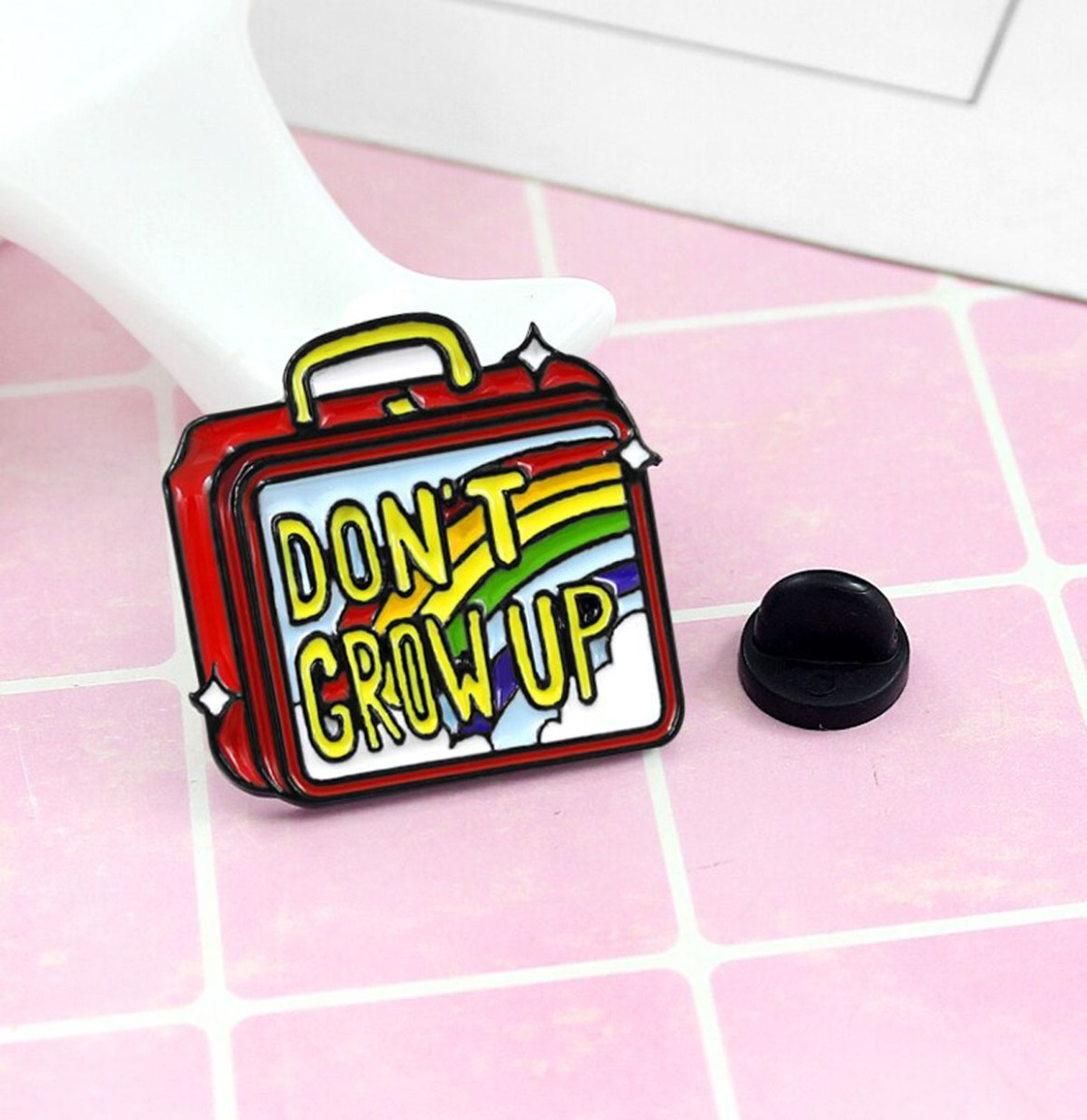 Don't Grow Up Emaille Pin
