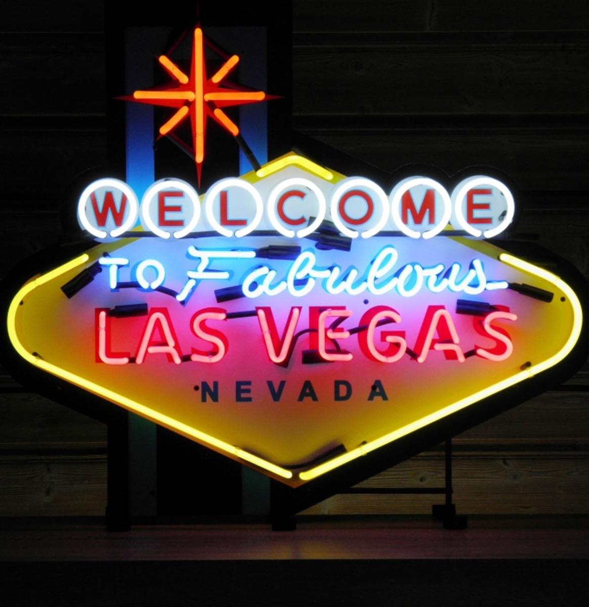 Welcome To Las Vegas Neon Verlichting Met Achterplaat Groot 103 x 88 cm