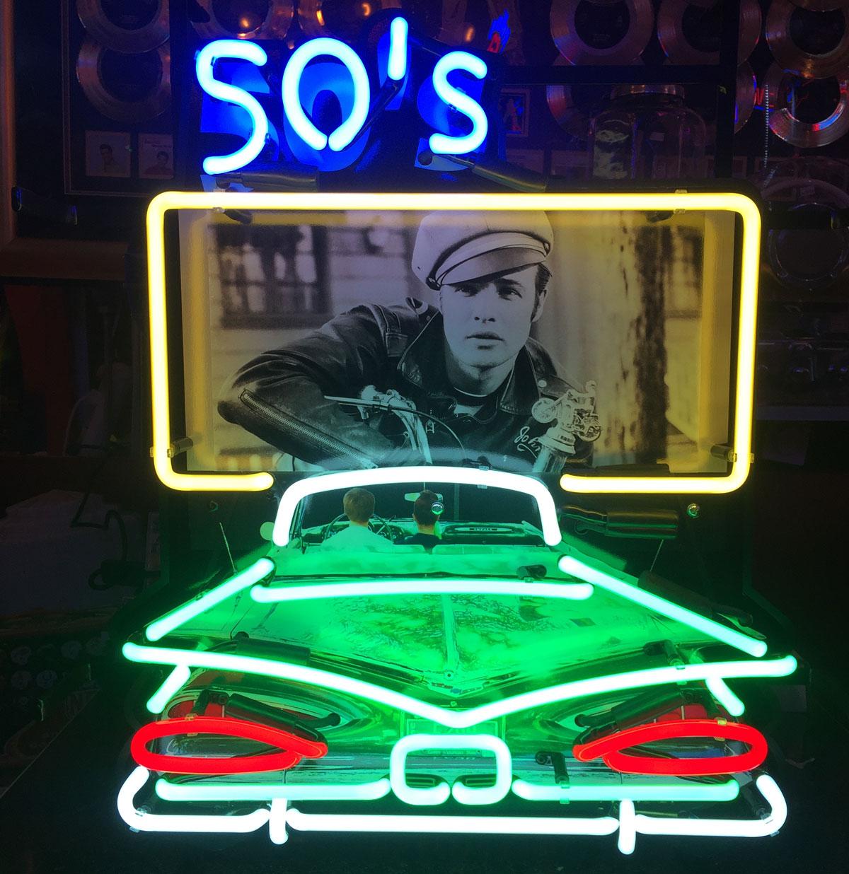 50's Drive In Wild One neon met bord 51 x 61 cm