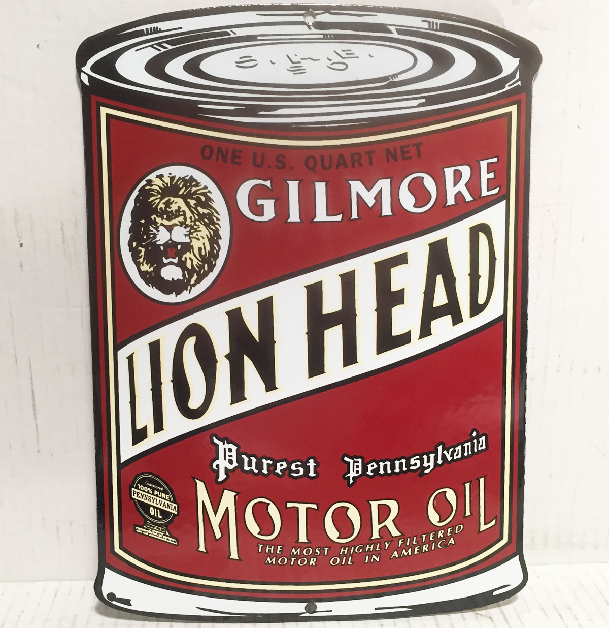 Gilmore Lion Head Motor Oil - Oil Can Shaped Emaille Bord