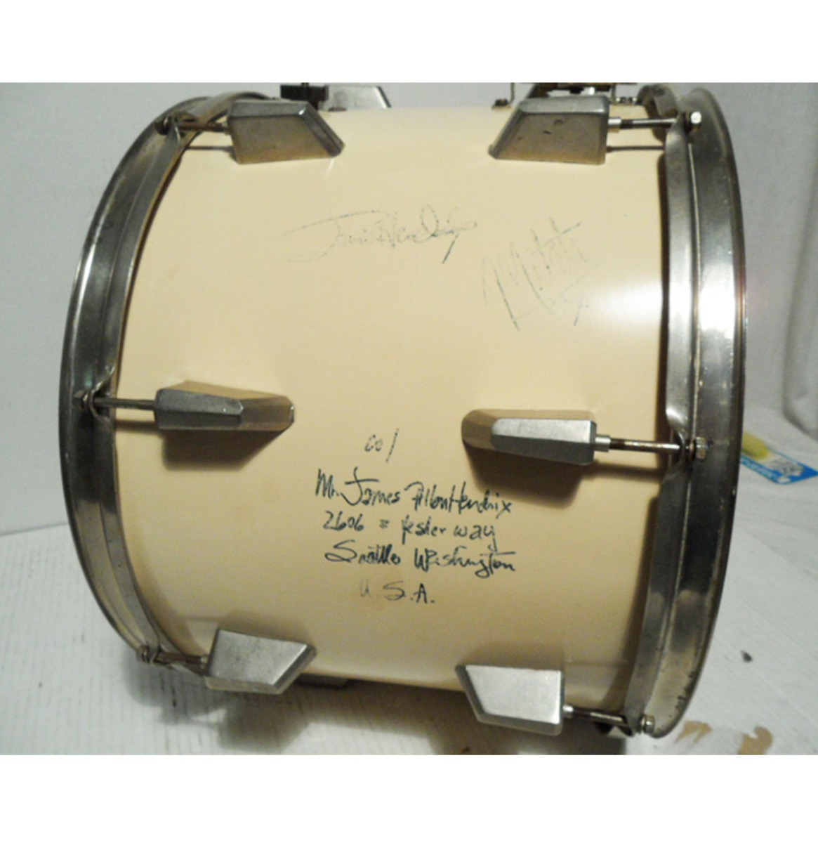 Snare Drum Gesigneerd door Jimi Hendrix en drummer Mitch Mitchell