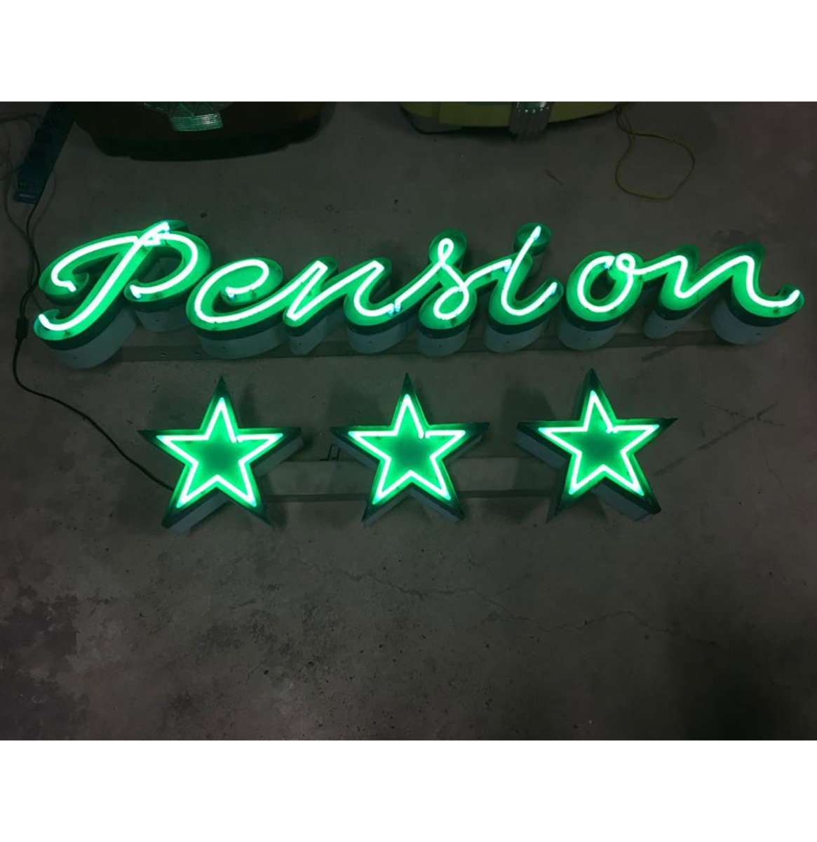 Pension & 3 Stars Neon Verlichting - Origineel
