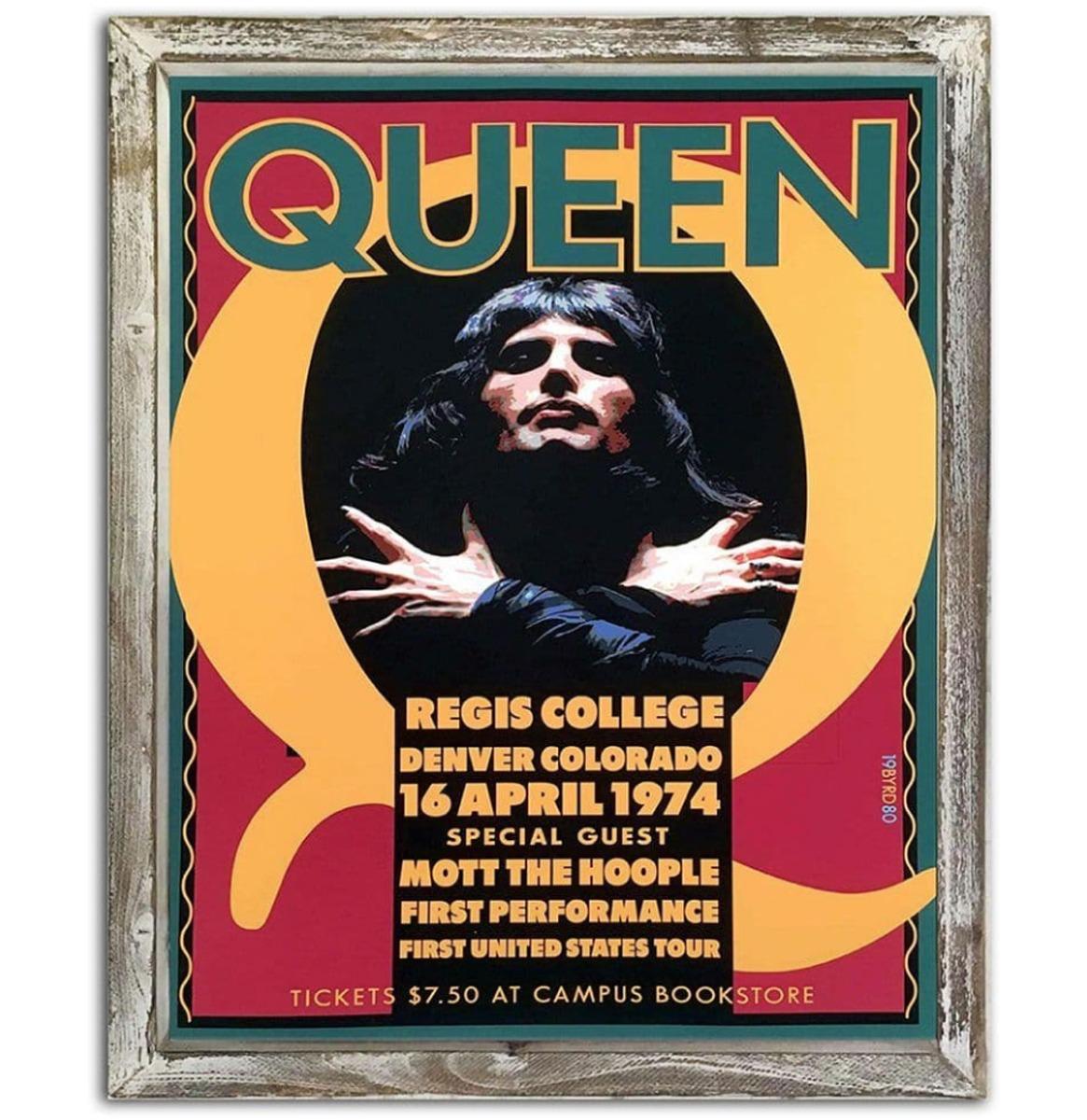 Queen Regis College 44cm x 34cm Metalen Wandbord Met Houten Omlijsting