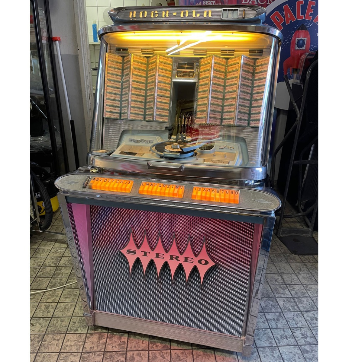 Rock-Ola 1495 Regis 200 Jukebox - Gerestaureerd