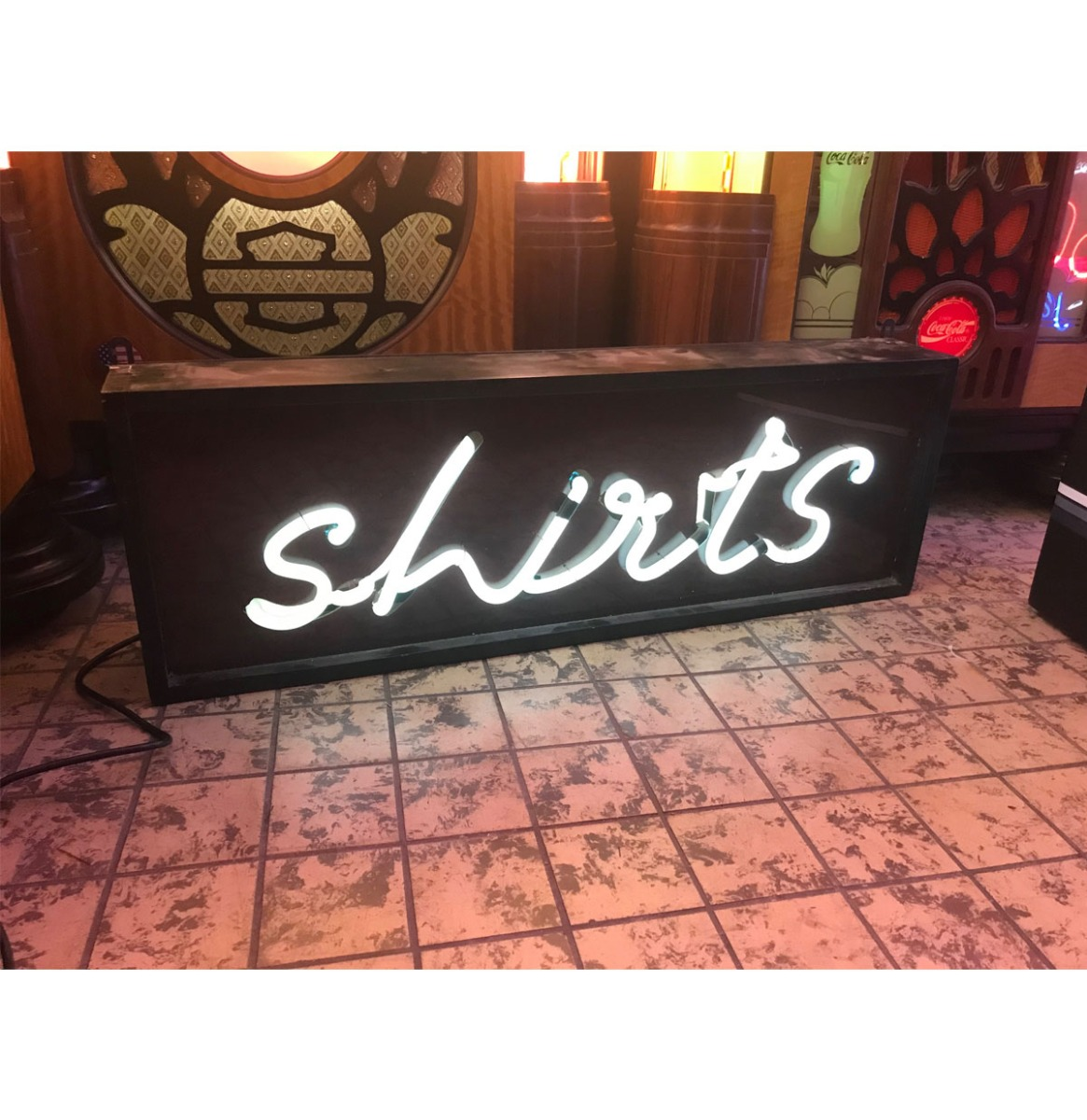 Shirts Neon Verlichting - Oud Model In Bak