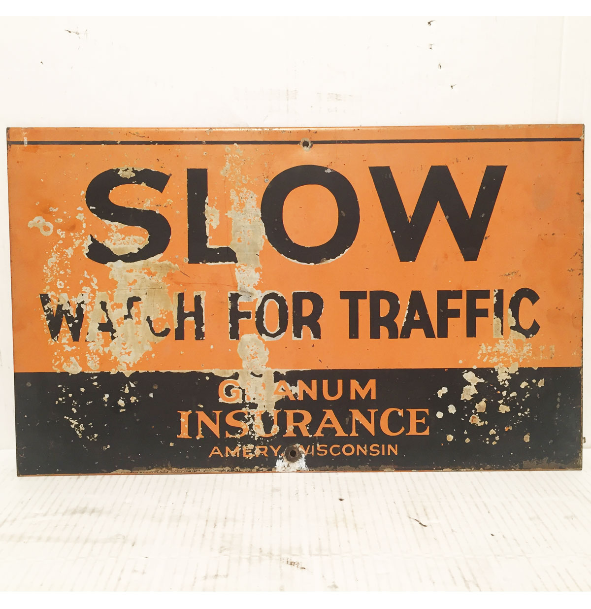 Slow Watch For Traffic Granum Insurance Bord - Origineel